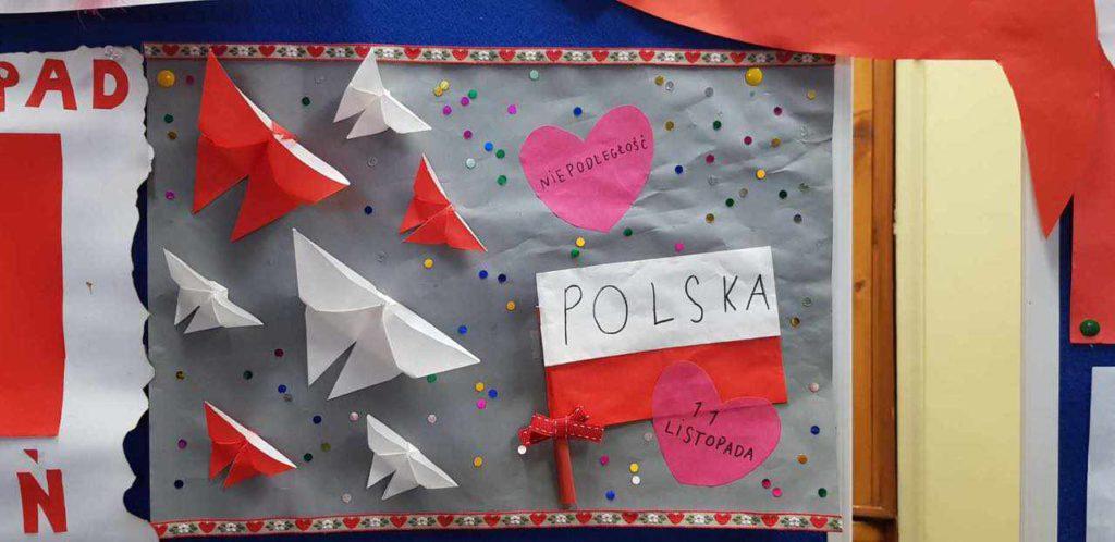 Flaga Polski, motyle w barwach narodowych - praca wykonana z okazji 11 listopada